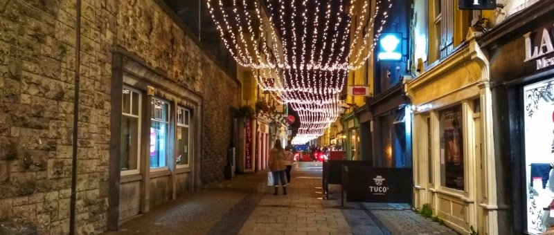 Celoroční vánoční výzdoba v Galway