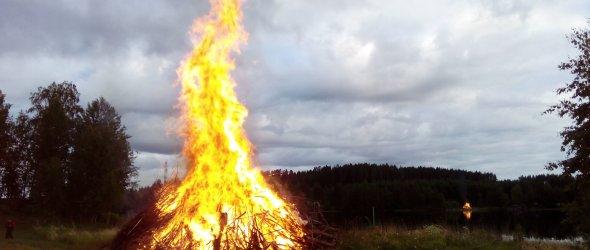 Bonfire at Netta's family cottage